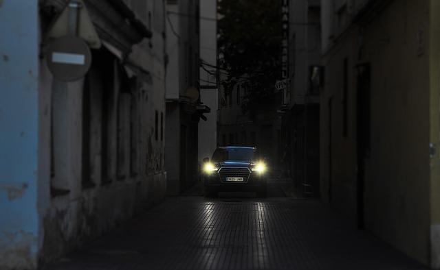 svítící auto