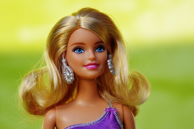 blonďatá barbie.jpg