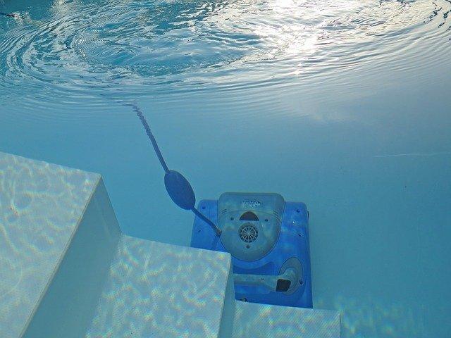 vysávání bazénu.jpg