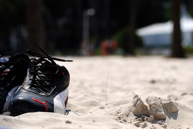 boty v písku