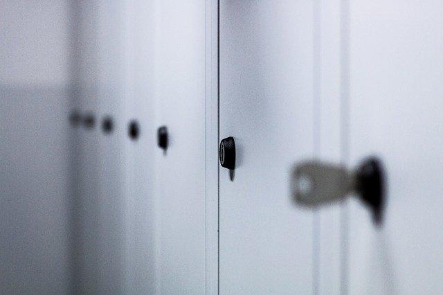 skříňky ve škole