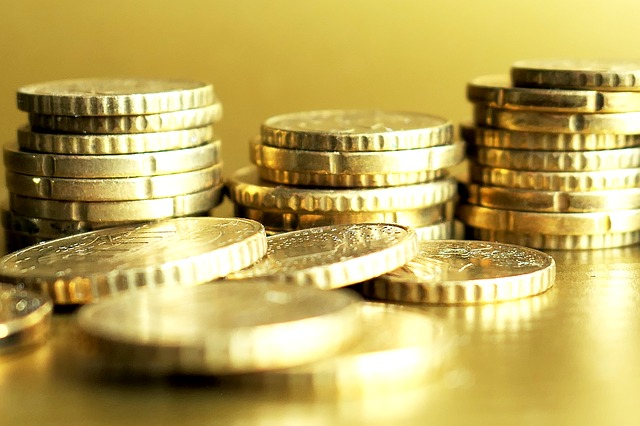 zářící zlaté mince